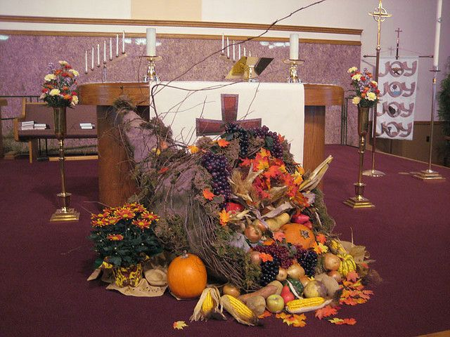 Thanksgiving Decorations 2009 | Fall church decorations .