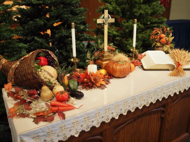 Thanksgiving altar decorations | Church altar decorations .