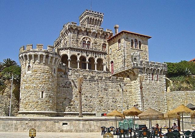 File:Villa ou Chalet Barros - Praia do Tamariz - Portugal .