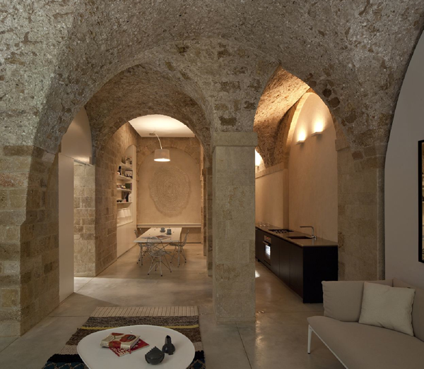 Jaffa Apartment   Stone houses, Pitsou kedem, Minimalism interi