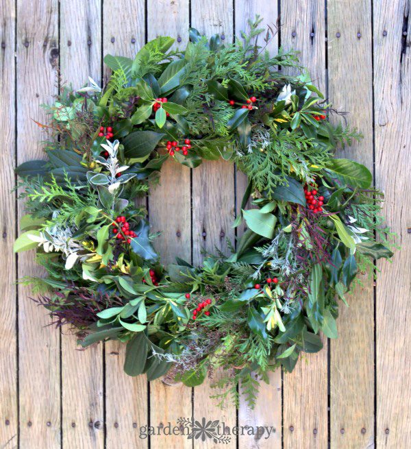 How to make a Fresh Evergreen Christmas Wreath from Scrat