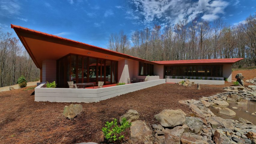 Frank Lloyd Wright house in Minnesota dismantled and moved to .