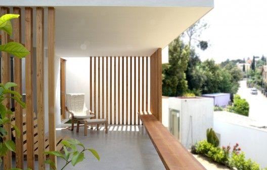 La Floresta House / Alventosa Morell Arquitectes | Timber screens .