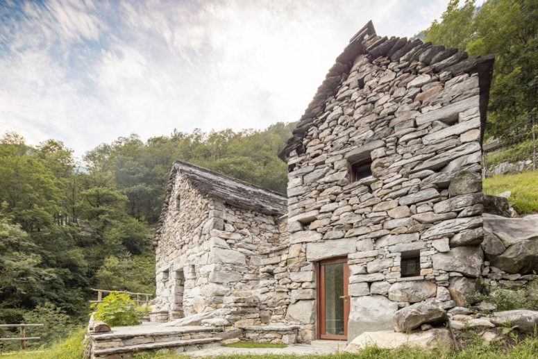 Contemporary Holiday Home Of A 1850 Stone Barn - DigsDi