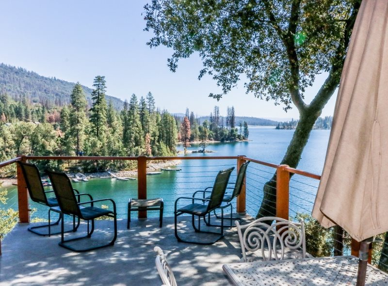 Sierra Vacation Home Rentals | Lakeview Lod