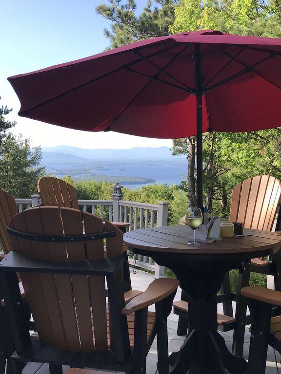 A Wonderful Mountain Home With Amazing Lake Winnipesaukee .