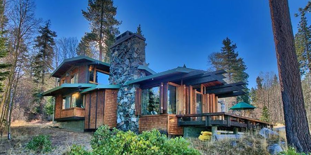 Bodyguard Home for Sale - Cabin From the Bodygua