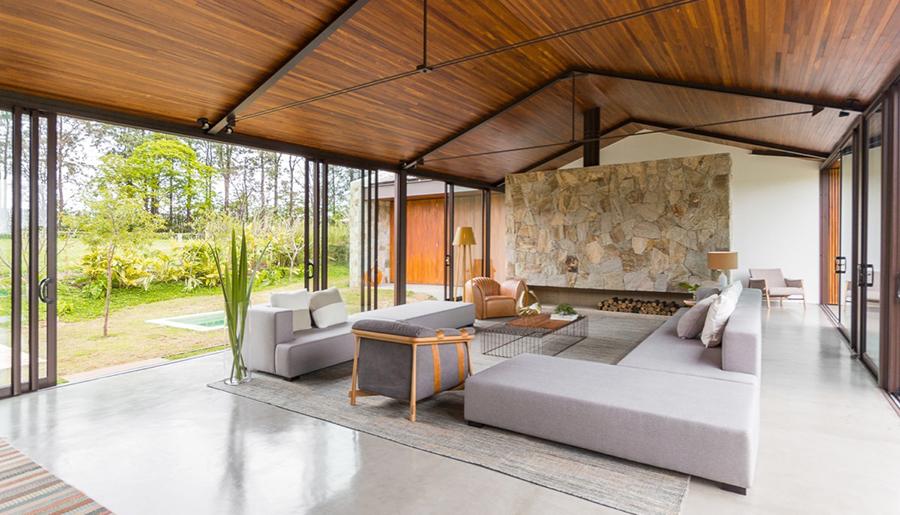 This Brazilian Getaway Is Designed for Indoor-Outdoor Livi