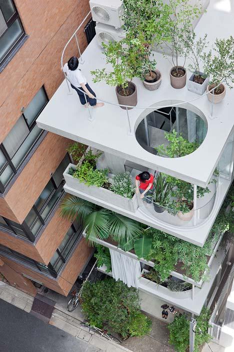 Unique Homes: Transparent Vertical Garden House in Tokyo - Bl