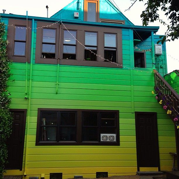Windy Chien's house. Backyard done! Green gradient house paint .