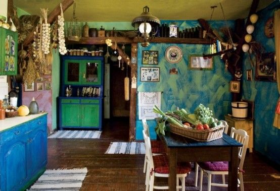 Colorful Fairy Tale House With Vintage Furniture | DigsDigs .
