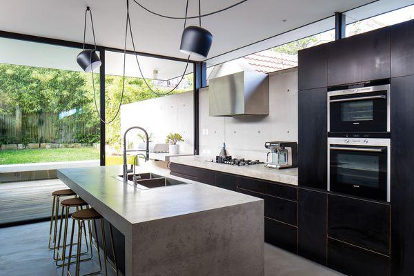 Slender splendour: Upsilon House   Architecture