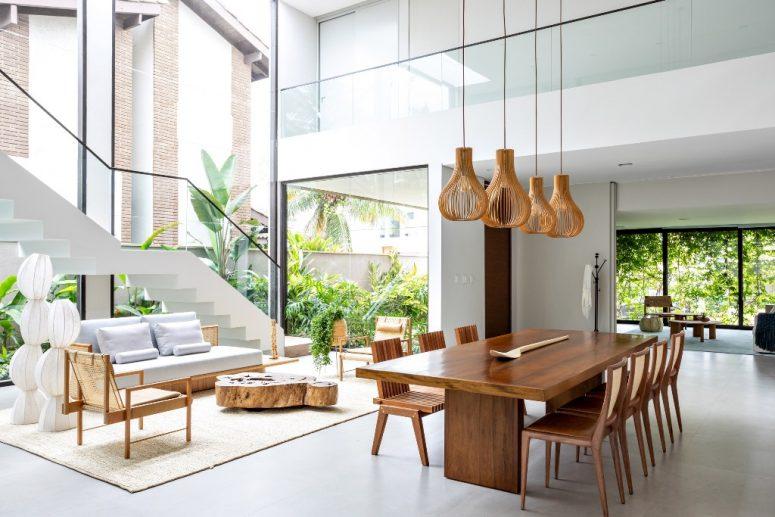 Contemporary Tropical Home With Extensive Glazing - DigsDi