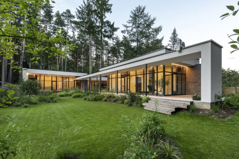 Serene House With Pines Growing Through It - DigsDi