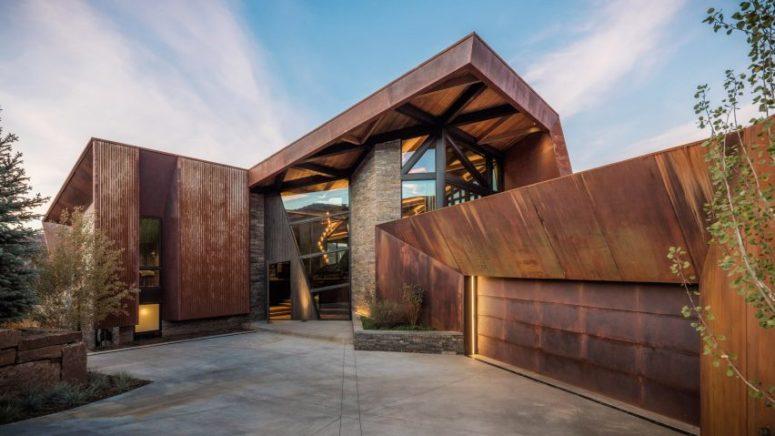 Triangular House With Rocky Mountain Views - DigsDi