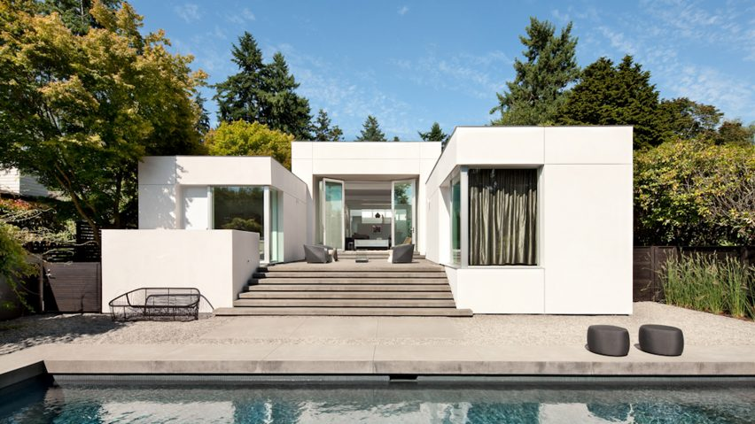 SkB Architects imbues Washington residence with art gallery aesthet