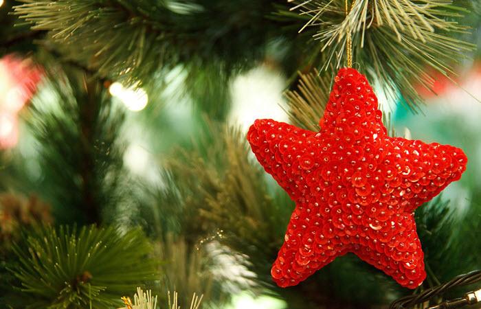 DIY Christmas Decor Ideas For Nurses - NurseBu