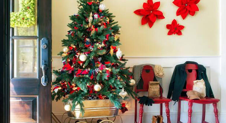 100 Best Christmas Decoration Ideas & Tips for Your Hou