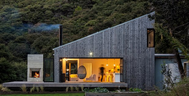 Back Country House Inspired by New Zealand Huts - Cabin Obsessi