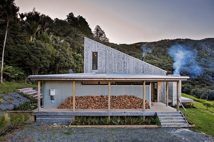 New Zealand's backcountry huts inspired this breezy, open home .