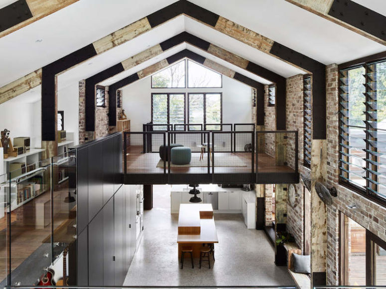 Industrial Glasshouse Residence With An Open Layout - DigsDi