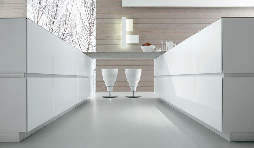 Pinned Image italian kitchen bravo cube 45° lacquer white matt .