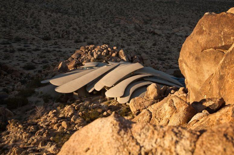 Jaw-Dropping Sculptural Desert House In Joshua Tree - DigsDi