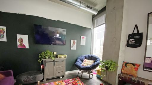 A 630-Square-Foot D.C. Loft Shows How to Add Warm Color to an .