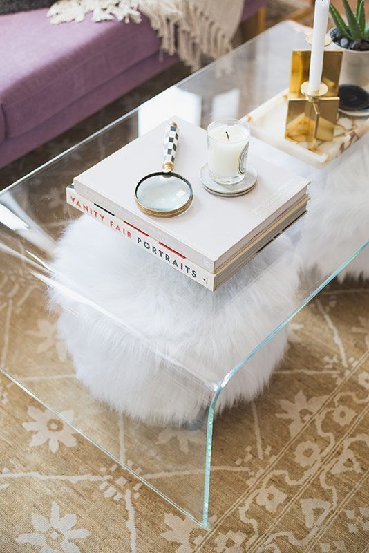 33 Lucite And Acrylic Furniture Ideas For Modern Spaces - DigsDi