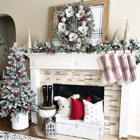 20+ Festive Christmas Mantel Ideas - How to Style a Holiday Mant