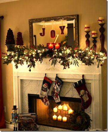 A Christmas mantel (+ a new Christmas craft) | Christmas mantel .