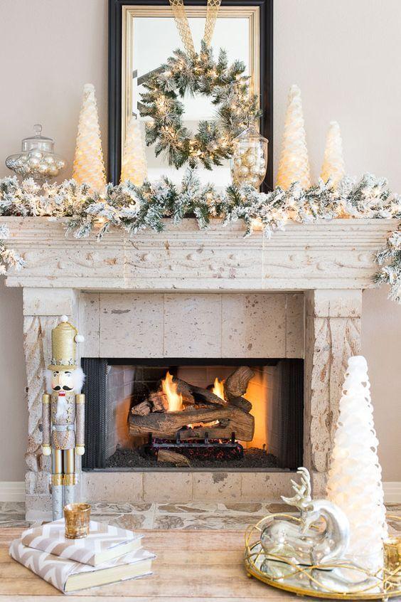 DIY Christmas Mantel and Decor Ideas | Christmas mantel .