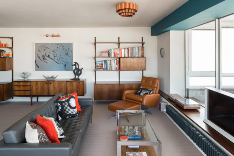 Mid-Century Modern Apartment With Ocean Views - DigsDi