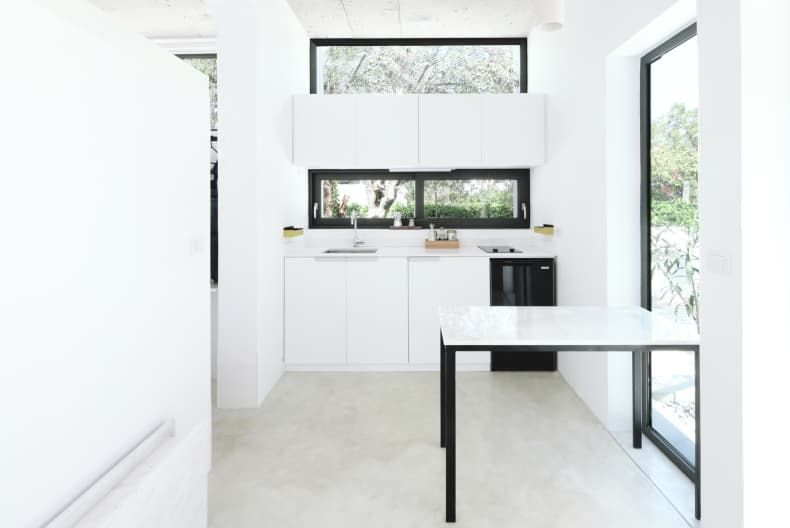 This 280 Square-Foot, All-White Tiny House Is a Minimalist .