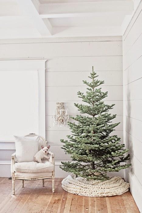 15 Minimalist and Modern Christmas Tre