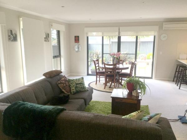 Beautiful Australian Minimalist Home Tour - Francesca - Nourishing .
