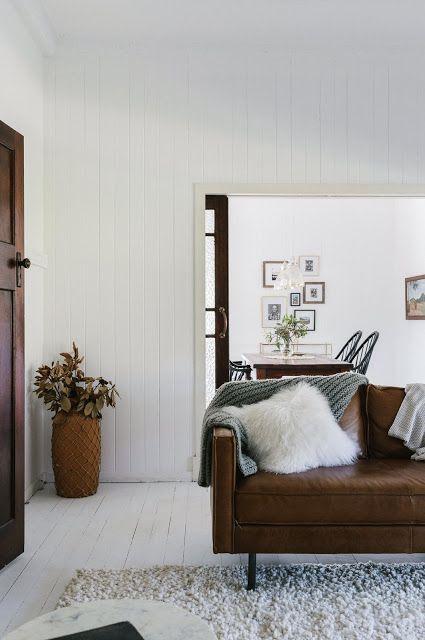 A Tranquil Aussie Farmhouse Minimalistic Interior / Aussie Style .