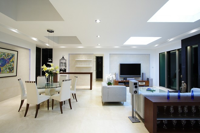 House of the Day: A Minimalist Bachelor Pad in Hong Kong - W