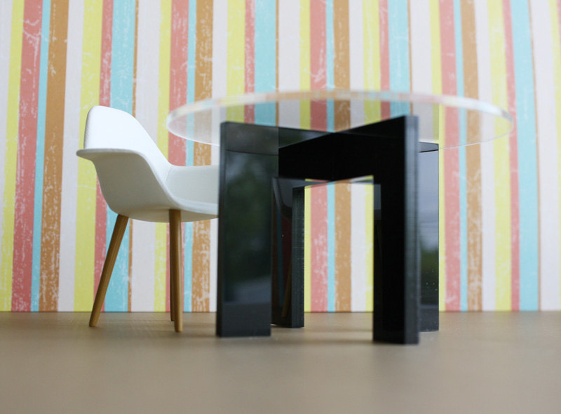 Modern Minimalist Dining, Kitchen Table in Acrylic w/ Clear Top .