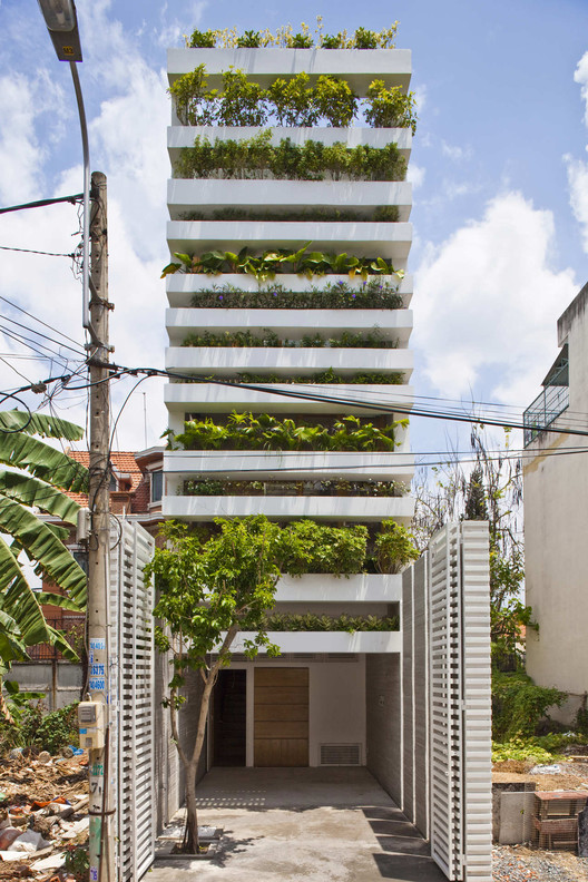 Stacking green / VTN Architects | Green architecture, House .