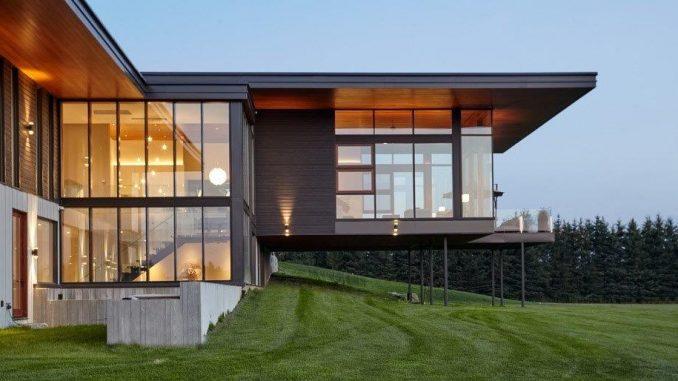 Toronto's Trevor McIvor's minimalist country home overlooks the hil