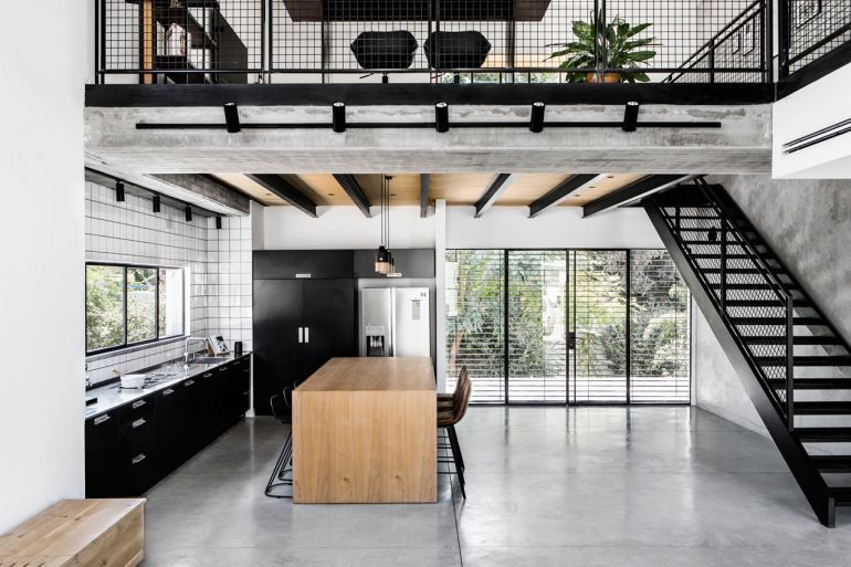 Modern Industrial House Incorporates A Cozy and Livable Feel With .