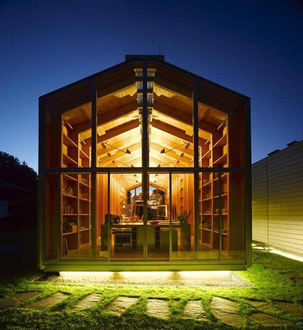 Minimalist lake house in Muni