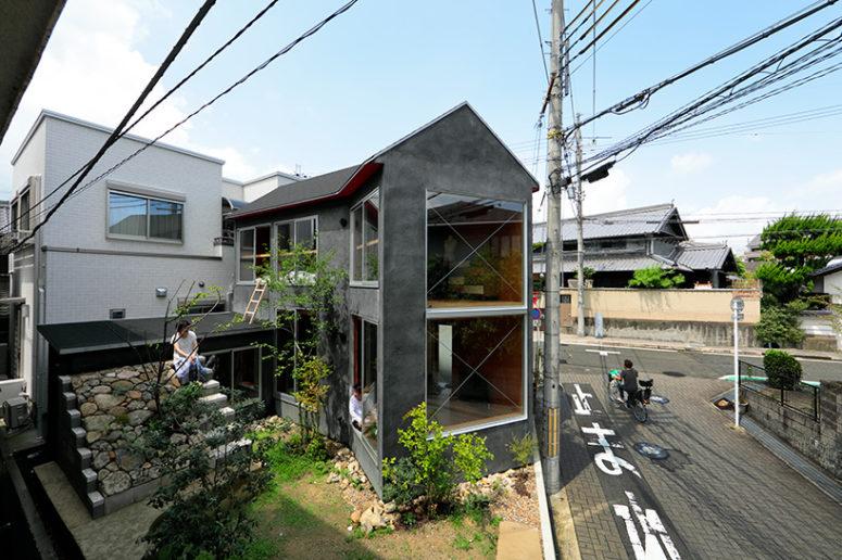 Minimalist Mushroom House With A Garden - DigsDi