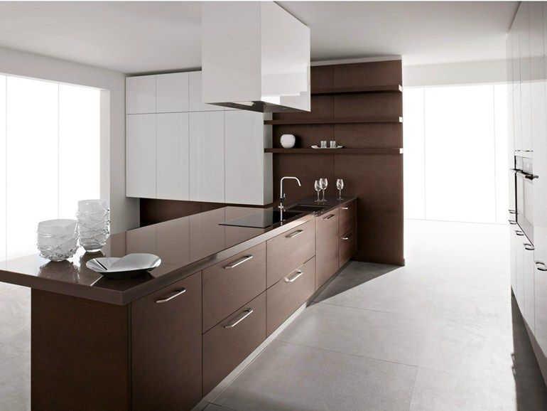 Lacquered wood veneer kitchen with handles VELVET HANDLE by GeD .