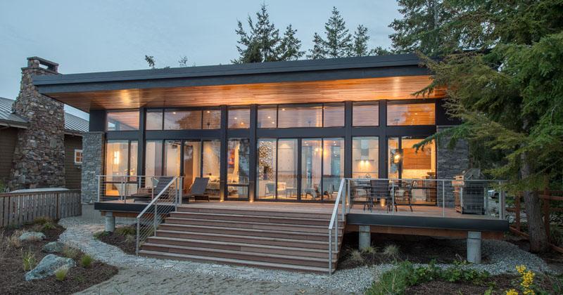 The Beach Drive Waterfront Studio By Designs Northwe