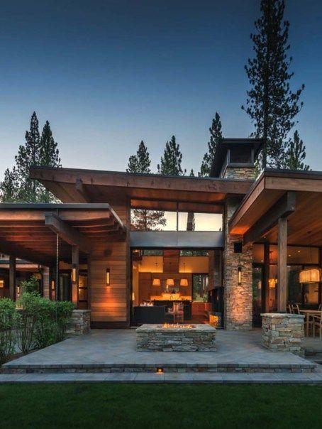 Northern California mountain retreat displays impressive design .