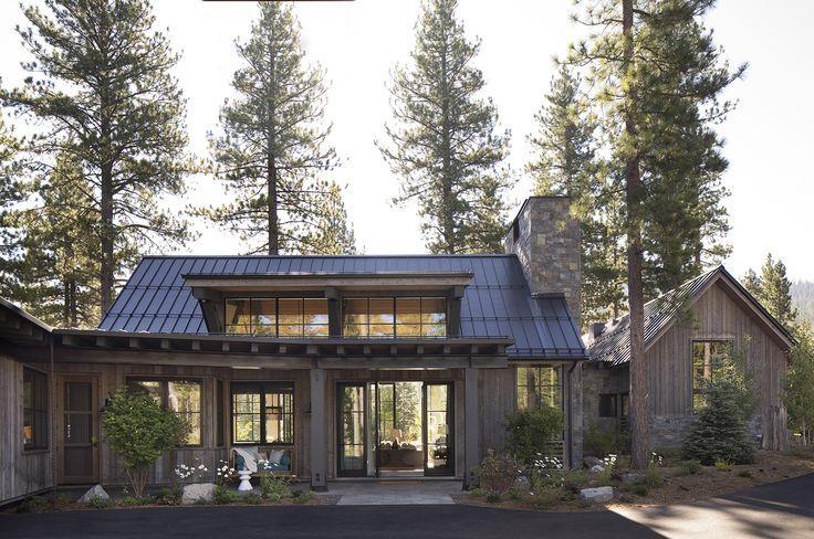 modern farmhouse in 2020 | Mountain home exterior, Lake houses .