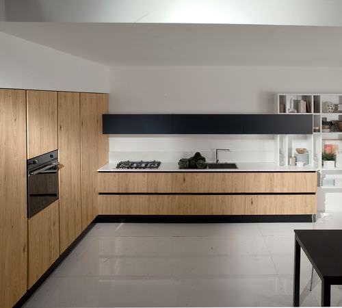 Cocina moderna / en madera / en chapado de madera / de cristal .
