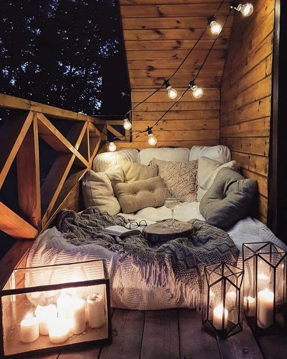 Romantic Bedroom Design Ideas For Young Couple | Cozy living room .